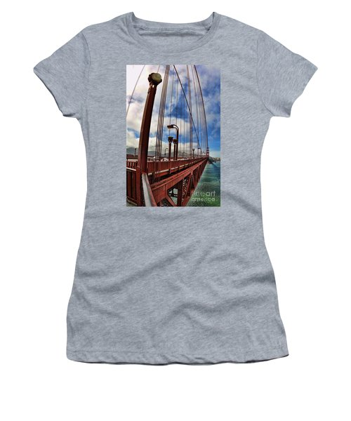 Golden Gate Bridge - 7 Women's T-Shirt