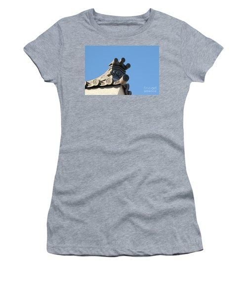Japanese Rooftop Women's T-Shirt