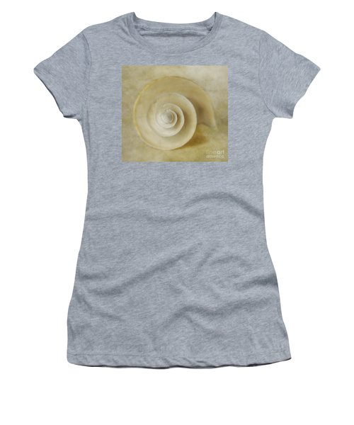 Japanese Wonder Shell Women's T-Shirt (Athletic Fit)