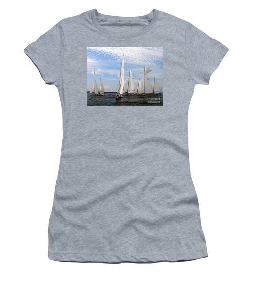 Log Canoes Women's T-Shirt