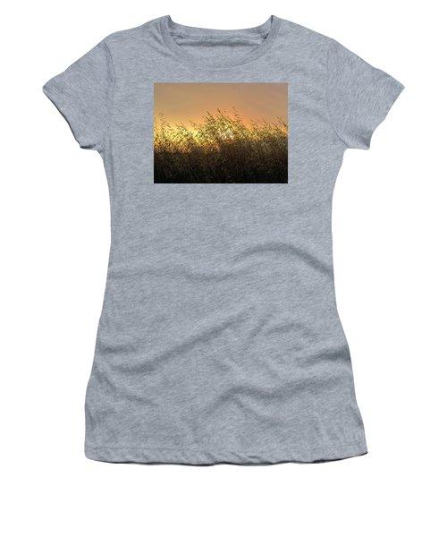 Prairie Dusk Women's T-Shirt (Athletic Fit)