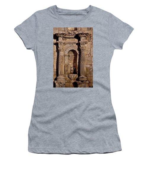 Architectural Detail Women's T-Shirt (Athletic Fit)
