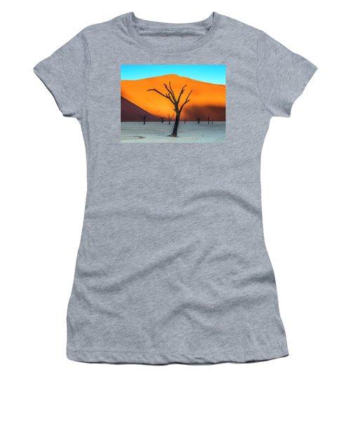 Beauty Lives Forever. Women's T-Shirt
