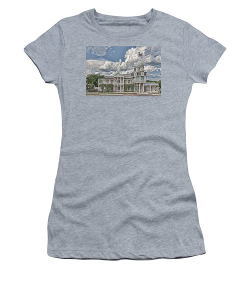 National Museum Of The Pacific War Women's T-Shirt (Athletic Fit)