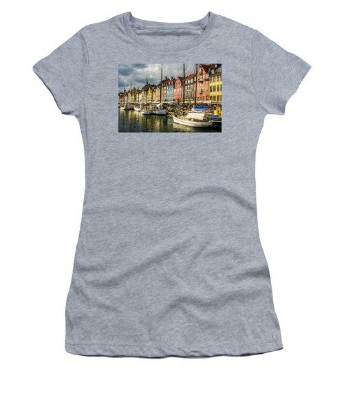Nyhavn Women's T-Shirt (Athletic Fit)