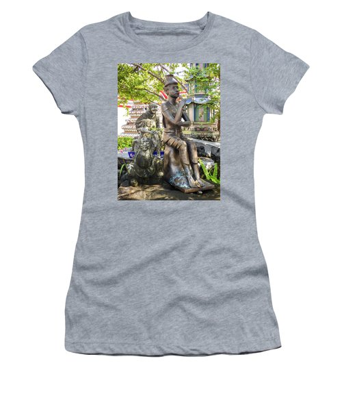 Reusi Dat Ton Statue At Famous Wat Pho Temple Women's T-Shirt
