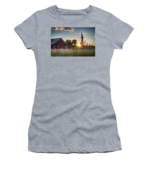 17 Mile House Farm - Sunset Women's T-Shirt (Athletic Fit)