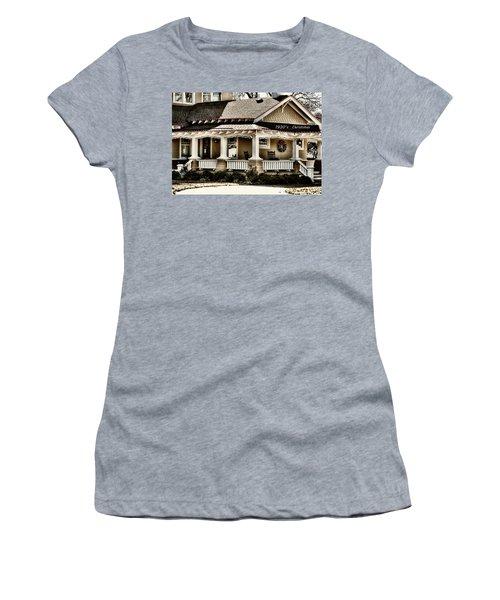 1930's Christmas Women's T-Shirt (Junior Cut) by Joan Bertucci