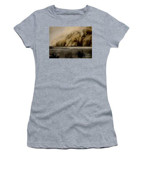 Sandstorm, Sudan, 1906 Women's T-Shirt