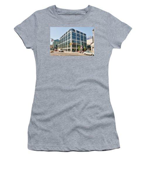 500 W 21st Street 5 Women's T-Shirt