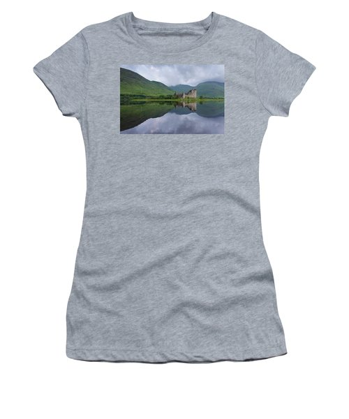 Kilchurn Castle Women's T-Shirt (Athletic Fit)