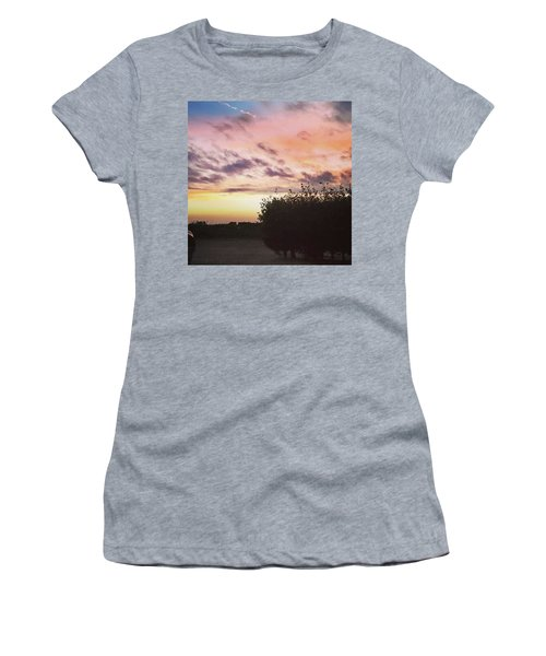 A Beautiful Morning Sky At 06:30 This Women's T-Shirt