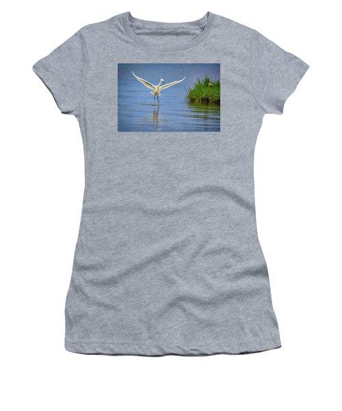 A Snowy Egret Dip-fishing Women's T-Shirt