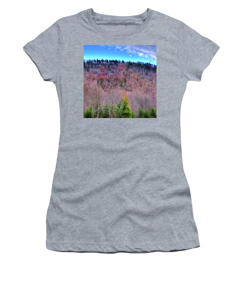 Women's T-Shirt (Junior Cut) featuring the photograph A Touch Of Autumn by David Patterson