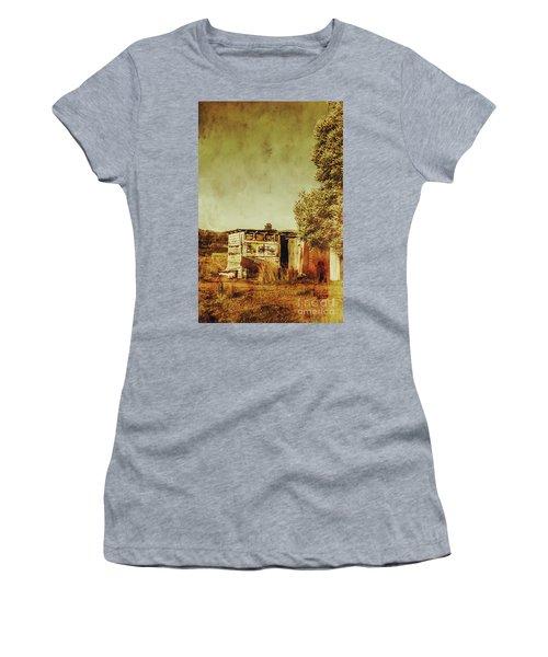 Aged Australia Countryside Scene Women's T-Shirt