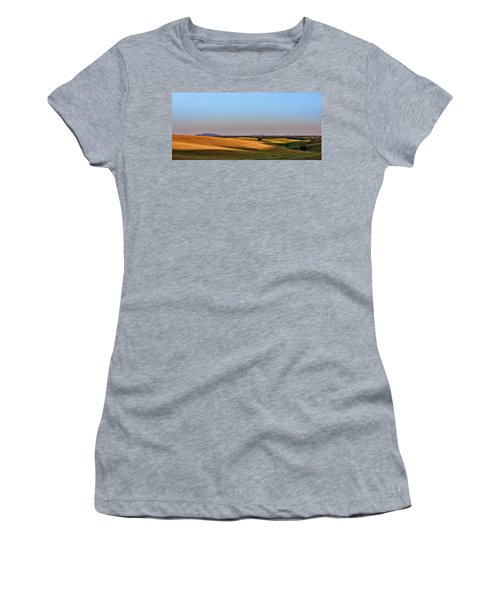Alentejo Fields Women's T-Shirt (Athletic Fit)