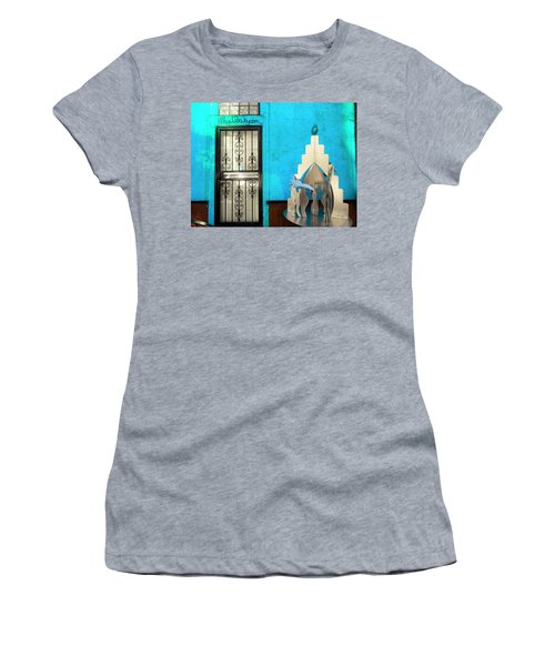 An Artsy House In Brooklyn New York  Women's T-Shirt (Junior Cut) by Funkpix Photo Hunter