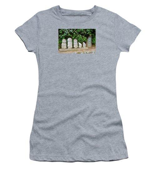 Arashiyama Street Buddah Statues Women's T-Shirt (Junior Cut)