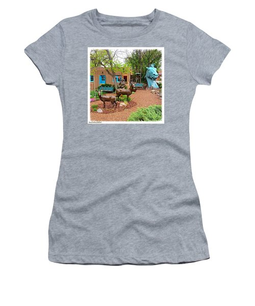 #art Is Everywhere In The Women's T-Shirt