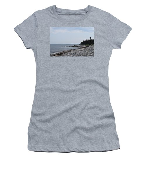 Back Beach Women's T-Shirt (Athletic Fit)