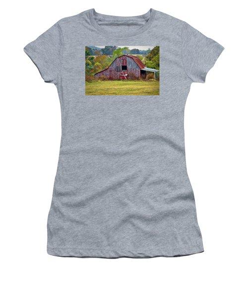 Barn On White Oak Road 2 Women's T-Shirt