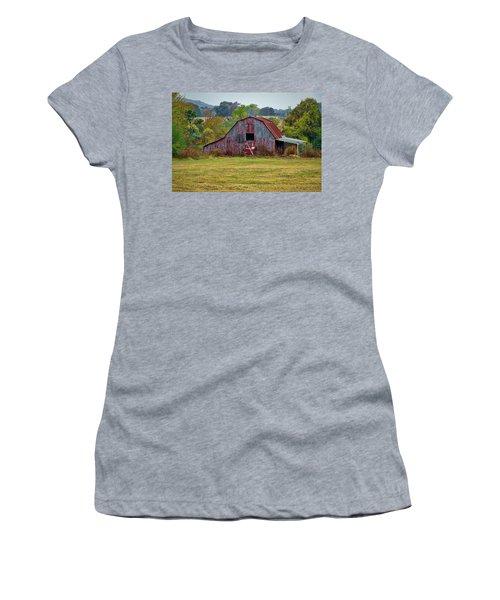 Barn On White Oak Road Women's T-Shirt