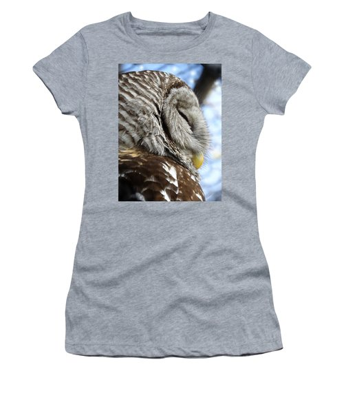 Barred Owl Beauty Women's T-Shirt (Athletic Fit)