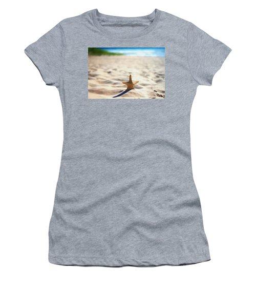 Beach Starfish Wood Texture Women's T-Shirt