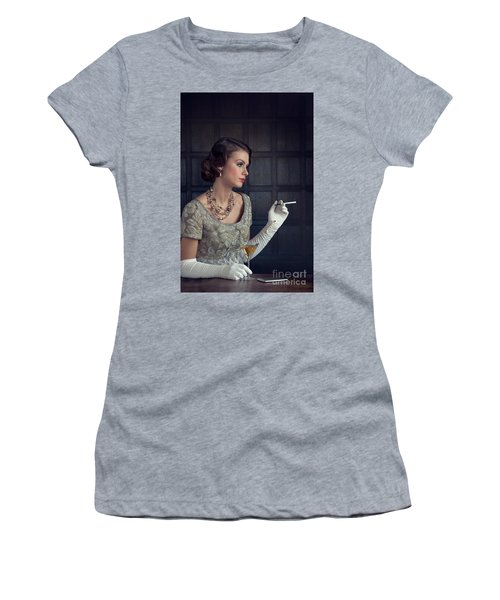 Beautiful 1930s Woman With Cocktail And Cigarette Women's T-Shirt (Athletic Fit)