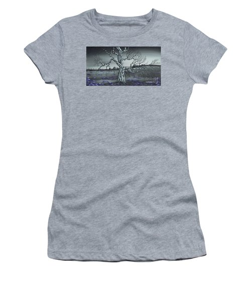 Big Old Tree Women's T-Shirt (Athletic Fit)