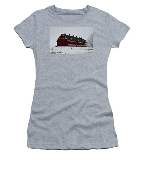 Big Red Barn In The Winter Women's T-Shirt (Athletic Fit)