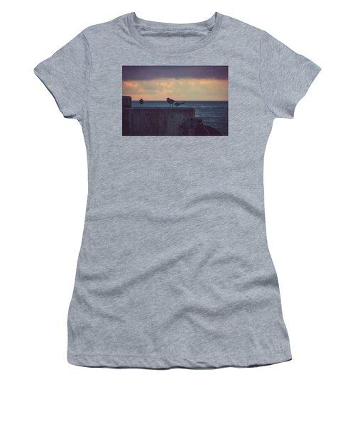 Birds Women's T-Shirt (Athletic Fit)