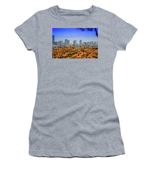 Black Eyed Susans In Battery Park Women's T-Shirt