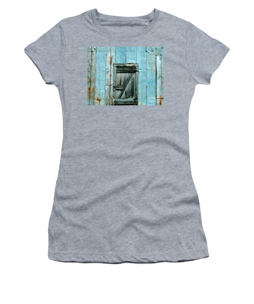 Blue Shed Door  Hwy 61 Mississippi Women's T-Shirt