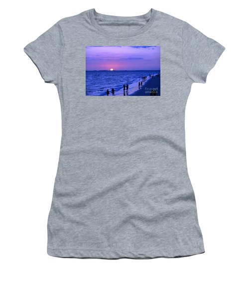 Blue Sunset On The Gulf Of Mexico At Fort Myers Beach In Florida Women's T-Shirt