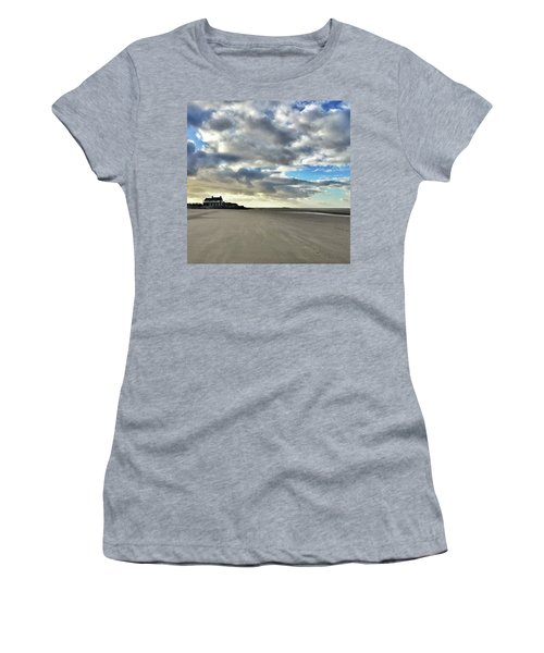 Brancaster Beach This Afternoon 9 Feb Women's T-Shirt (Athletic Fit)