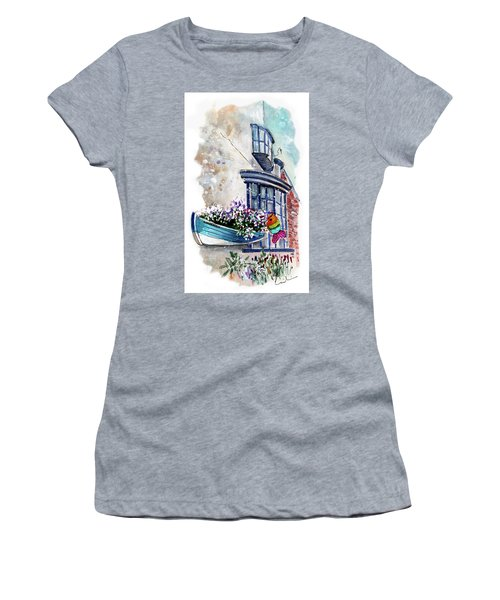 Broadies By The Sea In Staithes Women's T-Shirt (Athletic Fit)