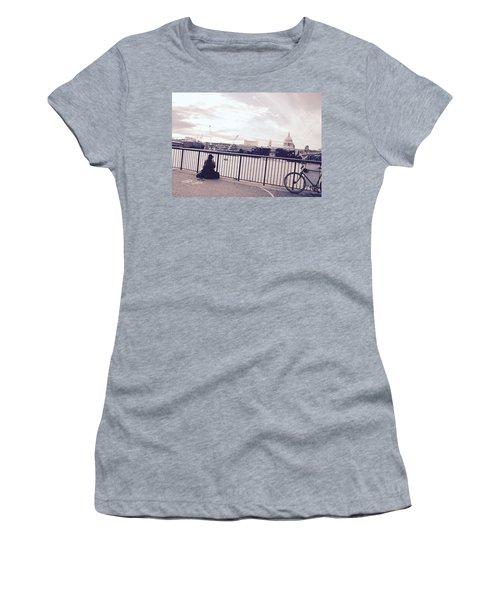 Busking Place Women's T-Shirt