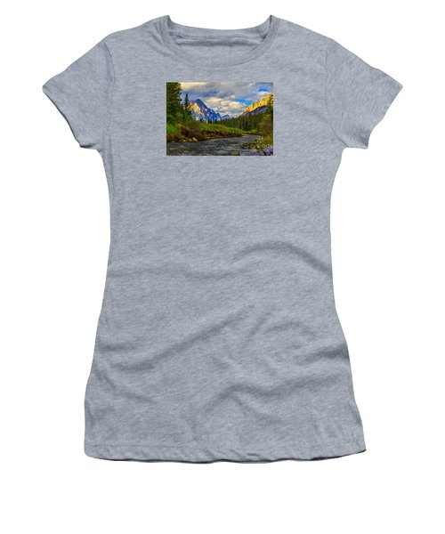 Canadian Rocky Mountains Women's T-Shirt (Athletic Fit)