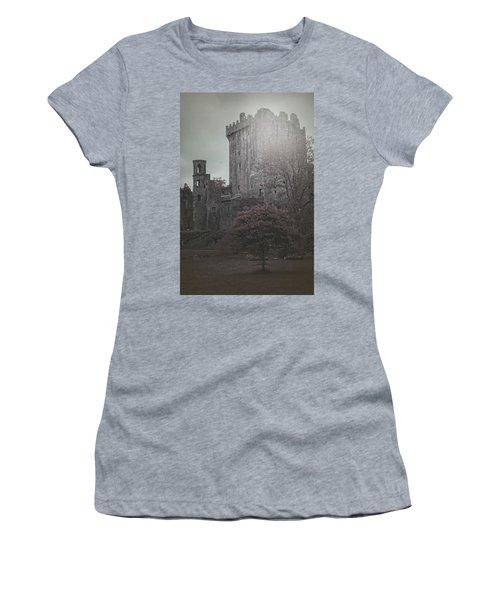 Castle Vignette Women's T-Shirt
