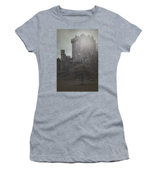 Castle Vignette Women's T-Shirt