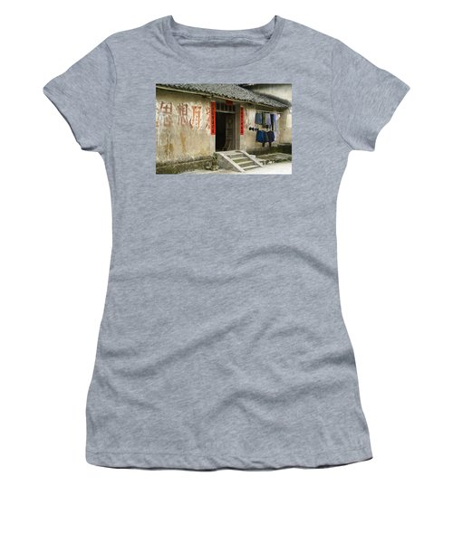 Chinese Laundry Women's T-Shirt (Athletic Fit)