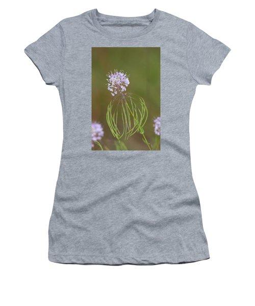 Clasping Warea Women's T-Shirt