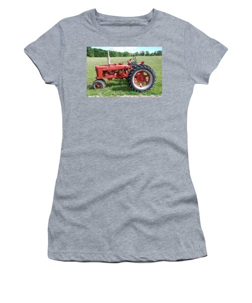 Classic Tractor Women's T-Shirt (Athletic Fit)