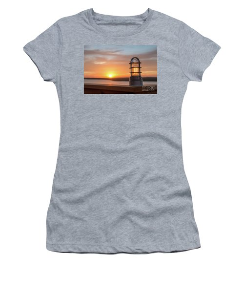 Closeup Of Light With Sunset In The Background Women's T-Shirt