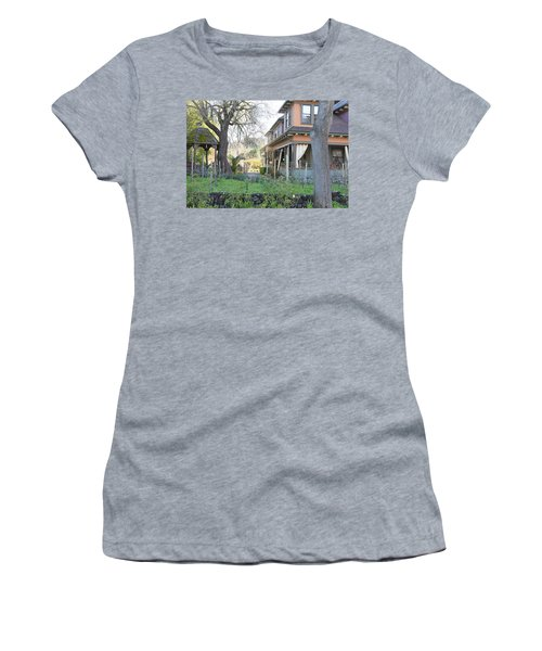 Cloverdale Casa Women's T-Shirt (Athletic Fit)