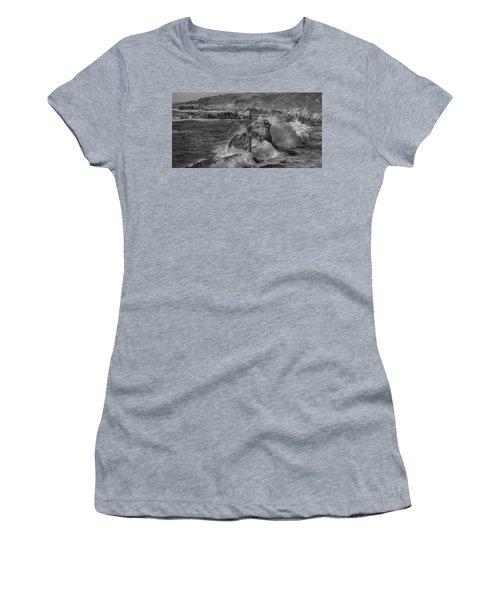 Crashing Waves Big Sur Ca Bw Women's T-Shirt