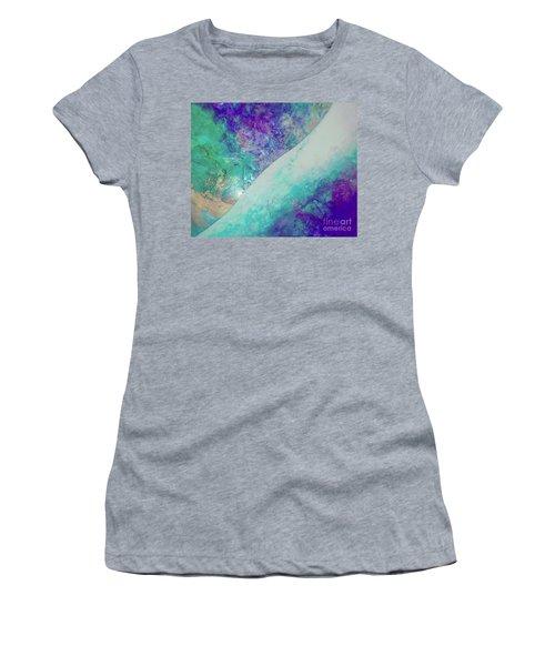 Crystal Wave10 Women's T-Shirt