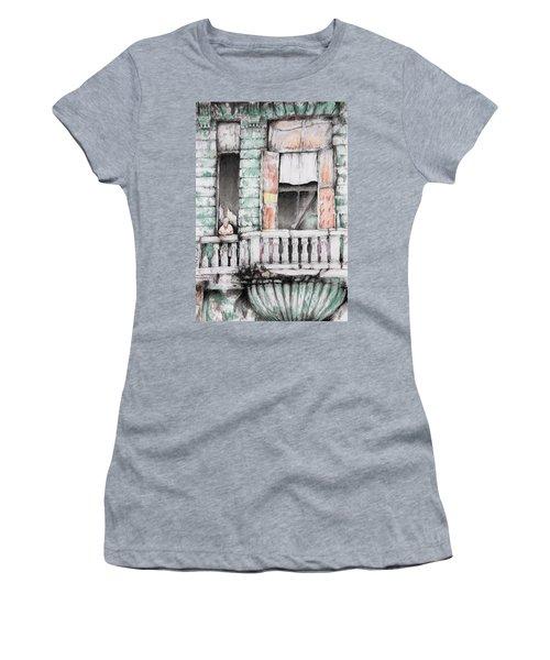 Cuba Today Women's T-Shirt (Athletic Fit)
