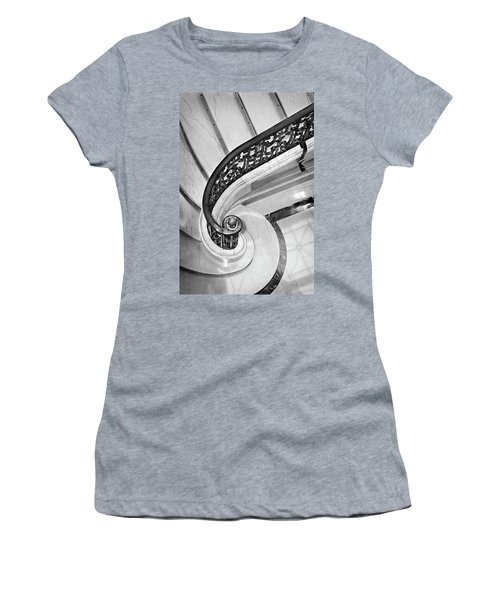 Curves And Light Women's T-Shirt